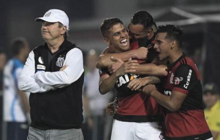 noticia Santos joga mal e perde 2x0 para o Flamengo