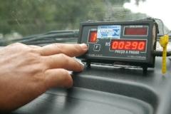 noticia Prefeito assina decreto e aumenta tarifas dos táxis