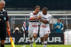 noticia São Paulo vence Cruzeiro e deixa a zona de rebaixamento