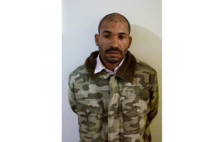 noticia Homem é preso no Centro de Poté-MG.