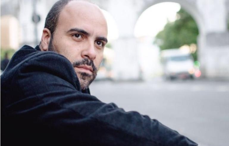 noticia Empresário Rodrigo Oliver vai na contramão da crise financeira