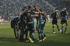 noticia Palmeiras vence Coritiba e volta ao G4 do Brasileirão