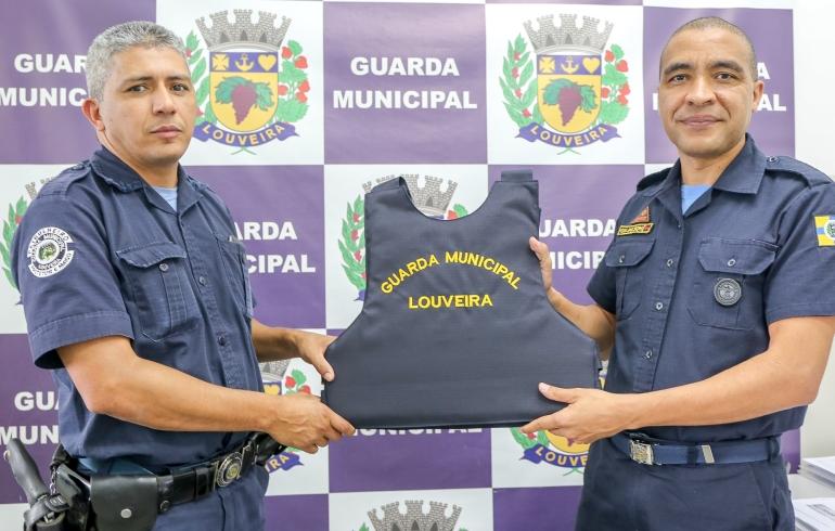 noticia Guarda Municipal  de Louveira recebe 72 novos coletes à prova de balas.