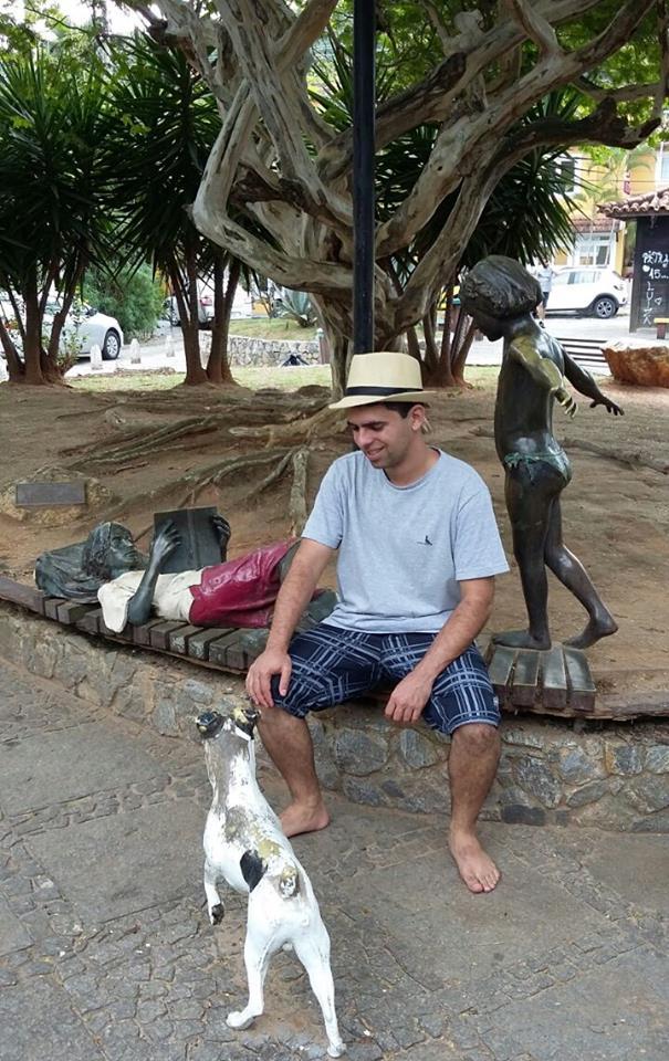 artigo O escritor e colunista Thiago Winner comemora 34 anos de idade.