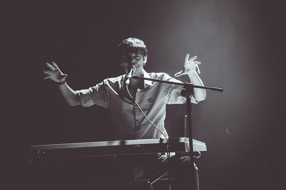 artigo Biografia do cantor Tuca Oliveira