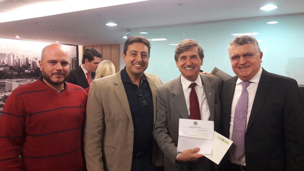 noticia Prefeito de Louveira  participa do lançamento da Frente Parlamentar de apoio a Vitivinicultura