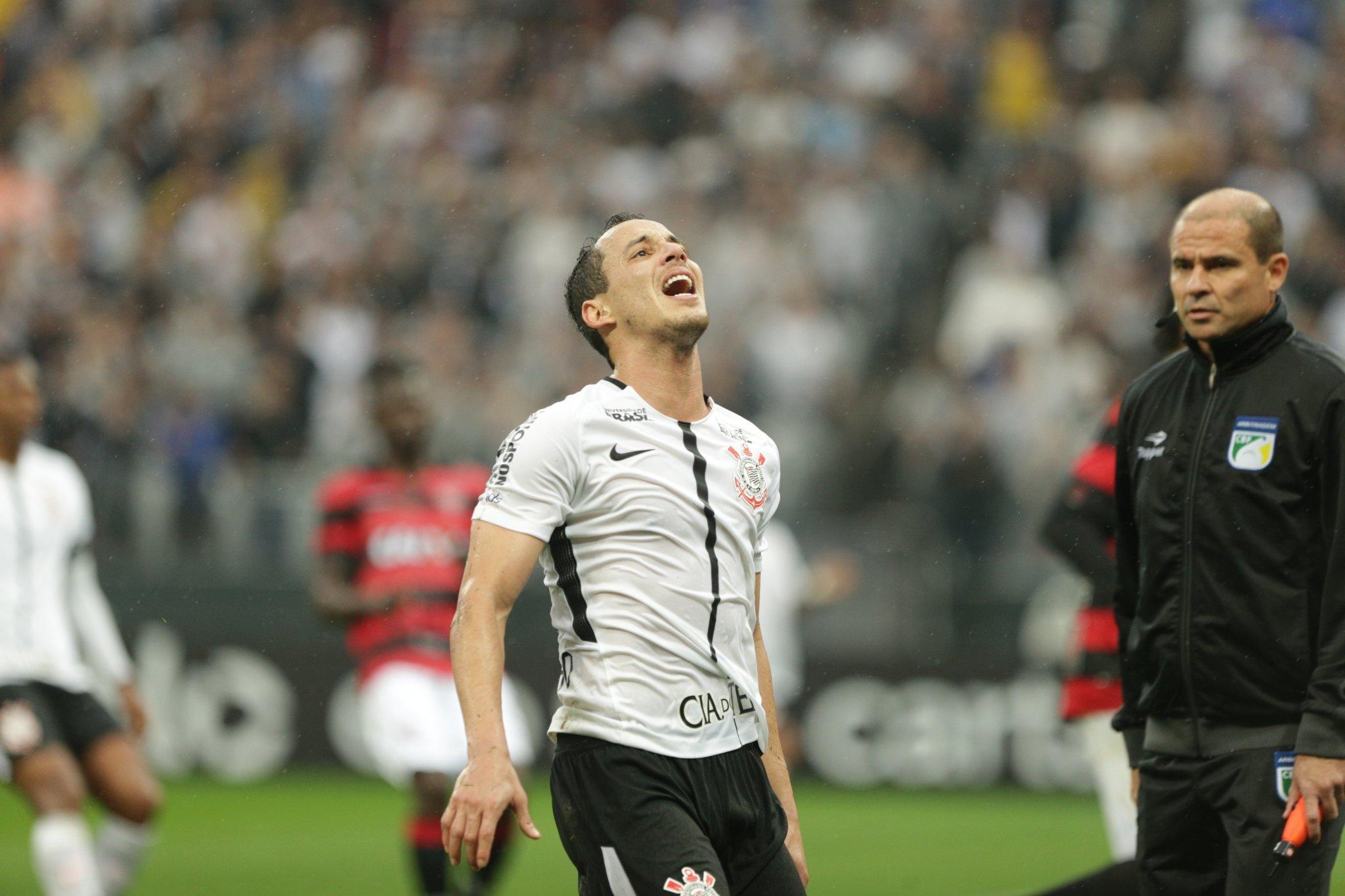 noticia Corinthians perde a primeira no Brasileirão