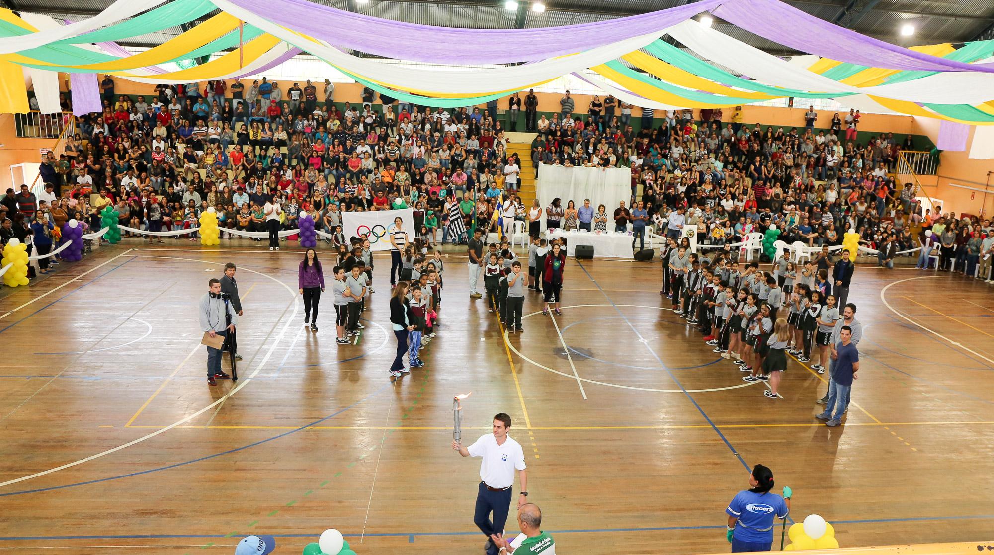 noticia Abertura da Olimpíada estudantil de Louveira: ´Respeito vale ouro