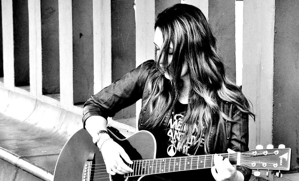 noticia História da cantora e compositora Fabiana Lima